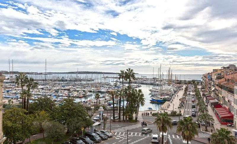 Views of old port from a Cannes event apartment for groups next to the Palais des Festivals.