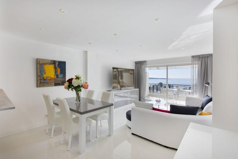 Sea views from the living room of a Cannes 2 bedroom group accommodation on Boulevard de la Croisette with a terrace