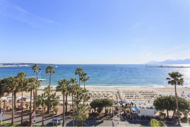 Beach and Mediterranean views from a Cannes rental apartment by the sea and near to convention centre