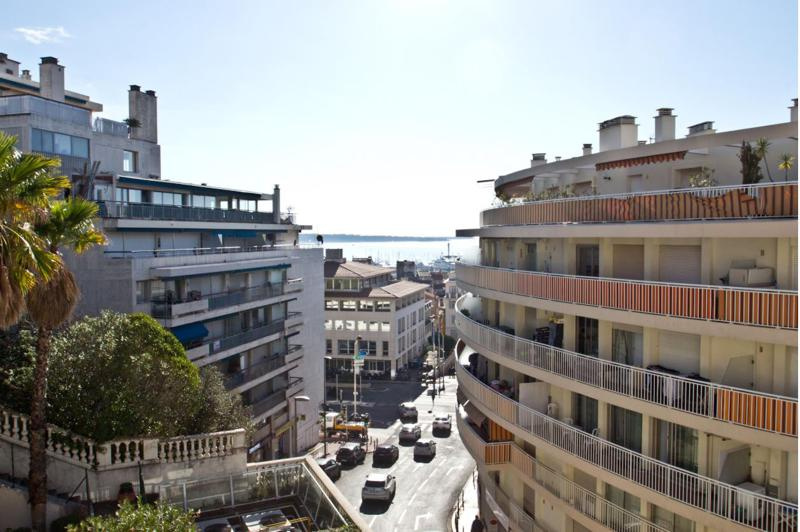 Sea and city views from a Cannes group accommodation for rent