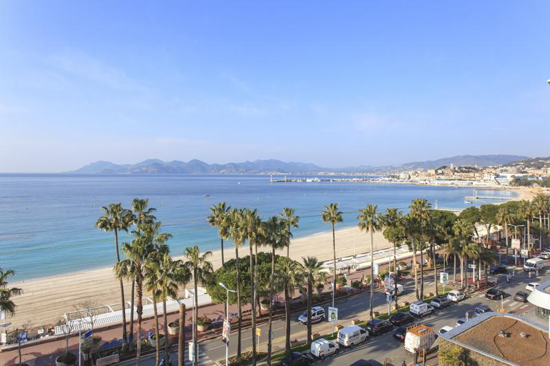 Views of the bay of Cannes and Boulevard de la Croisette from a 2 bedroom rental apartment in Cannes