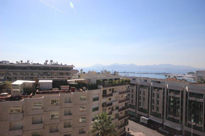 Cannes city and Mediterranean views from the terrace of a Cannes rental penthouse near to Palais des Festivals